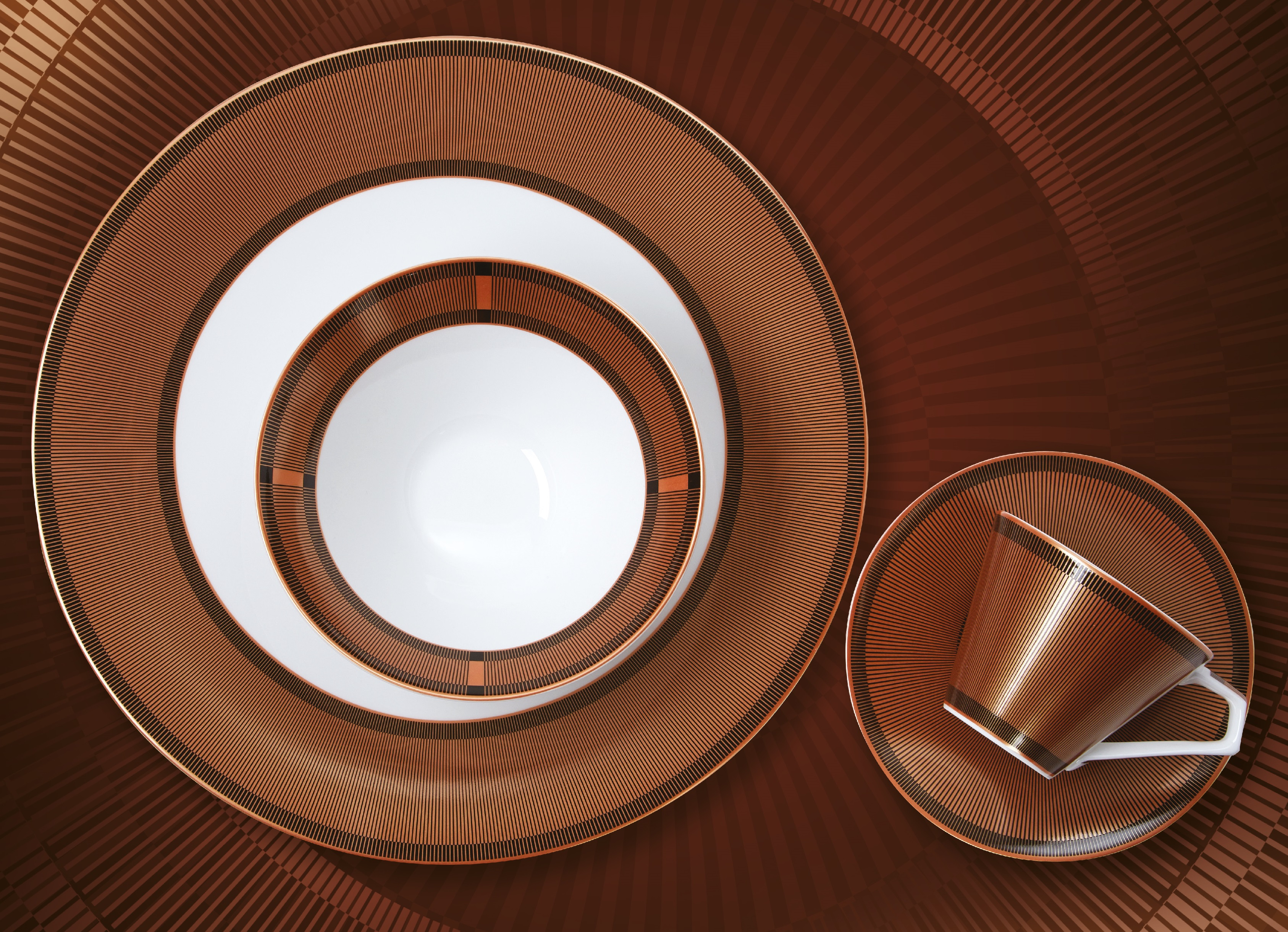 Selection of signature Gatsby collection tableware